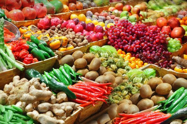 Aprenderá a se alimentar de frutas, legumes, verduras frescas.